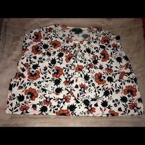 Liz Claiborne Tunic length floral top